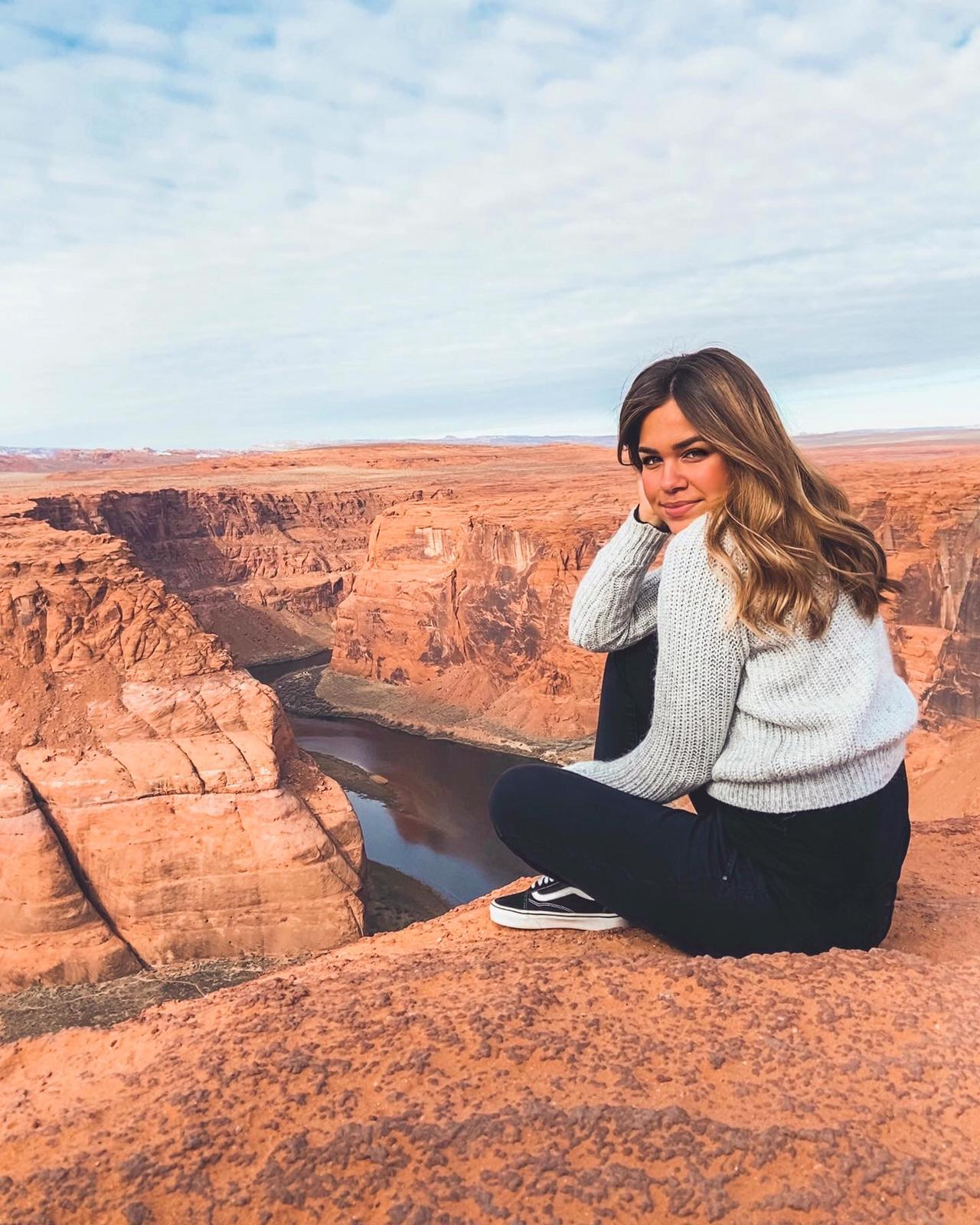 ragazza al gran canyon